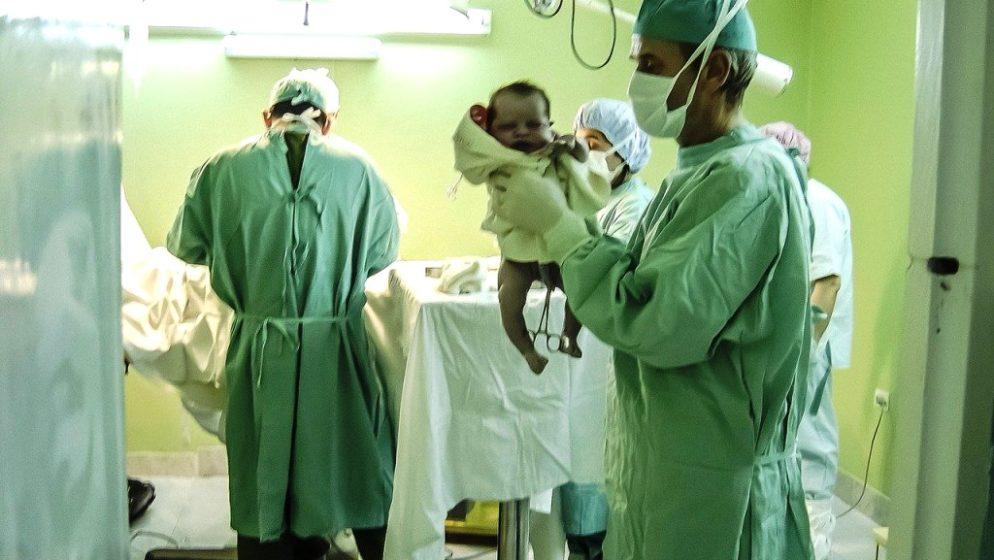 Mlada žena iz Malija rodila devetorke, dvoje više nego što su liječnici prognozirali