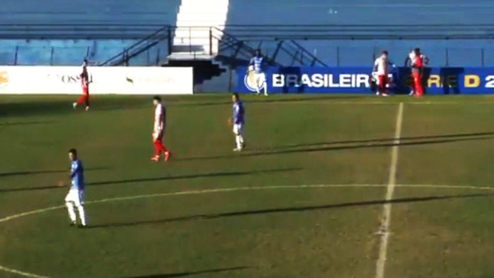 (VIDEO) Identična situacija kao i na Euru, igrač se srušio na terenu