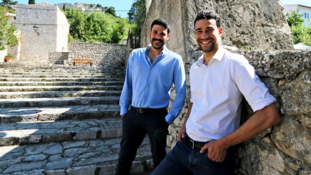 Ostavili Pariz, kupili kuću u Hrvatskoj i objavili roman 'Isti ćaća'