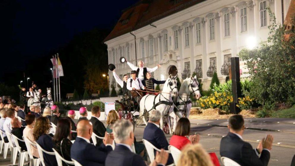 Otvoreni 55. Đakovački vezovi, najznačajnija manifestacija kulture i baštine koju nudi naša Slavonija