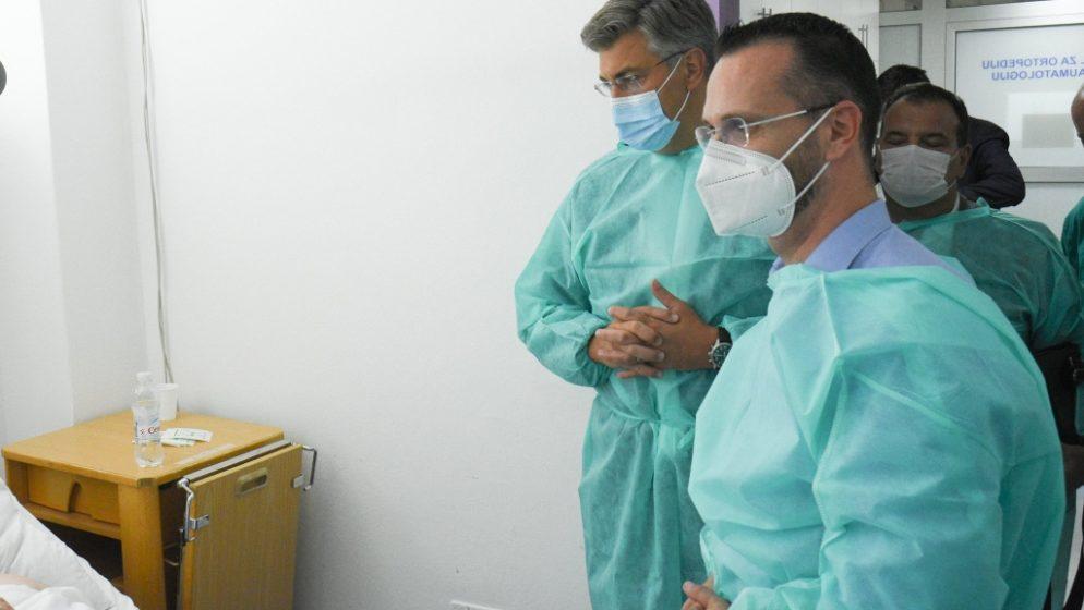 Premijer Plenković u brodskoj bolnici posjetio stradale u prometnoj nesreći