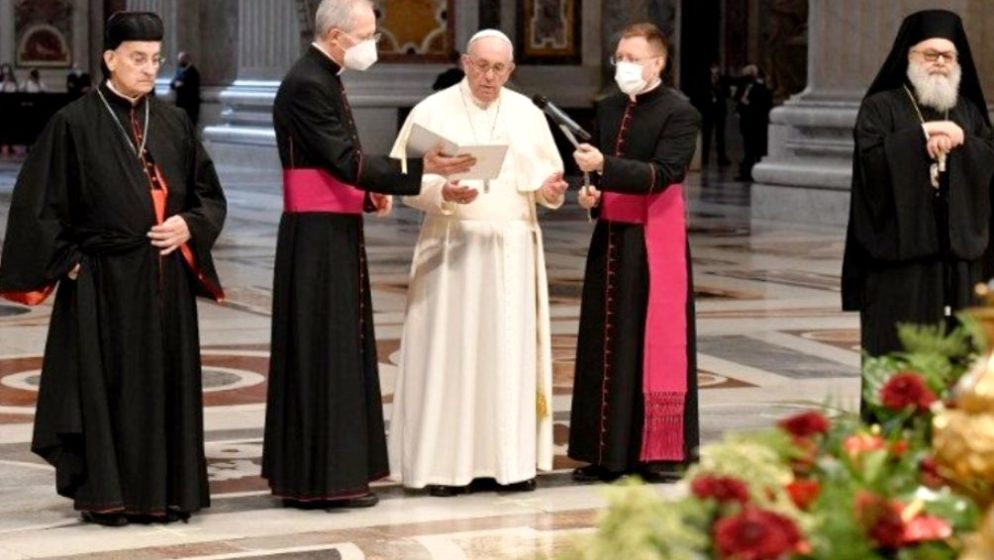 Papa Franjo primljen u bolnicu u Rimu zbog operacije debelog crijeva