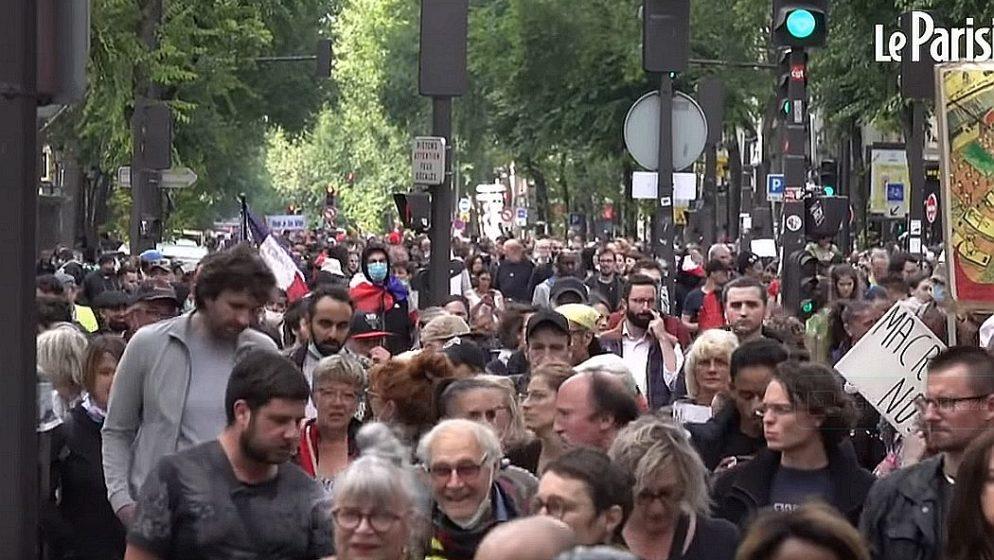 Francuzi prosvjeduju protiv COVID-potvrda: Tisuće na ulicama