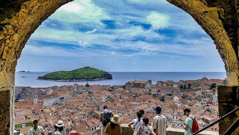 U Hrvatskoj  870.000 turista, najpopunjeniji kampovi i hoteli s pet zvijezdica