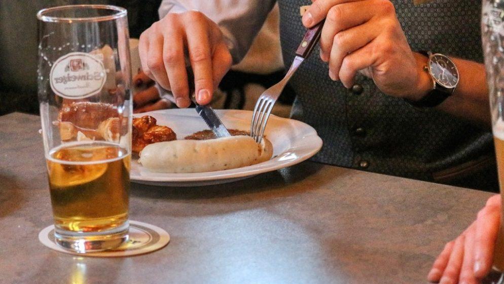 Načelnik male slovenske općine nudi piće svakome tko se cijepi