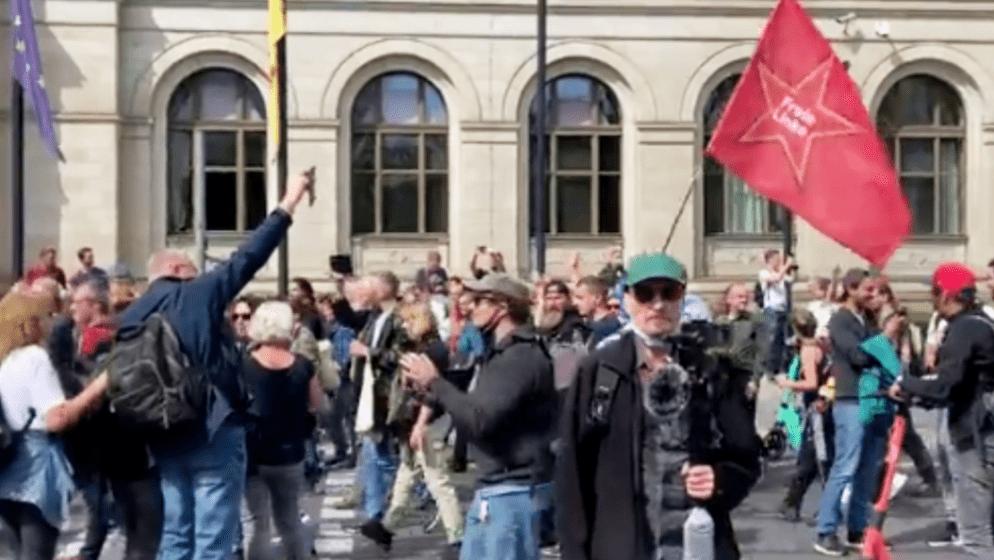 Nekoliko tisuća Nijemaca prosvjeduje protiv epidemioloških mjera, dvije tisuće policajaca u pripravnosti