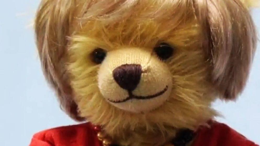 (VIDEO) Njemačka tvornica igračaka napravila 'Merkel plišanca' – biste li dali 190 eura za njega?
