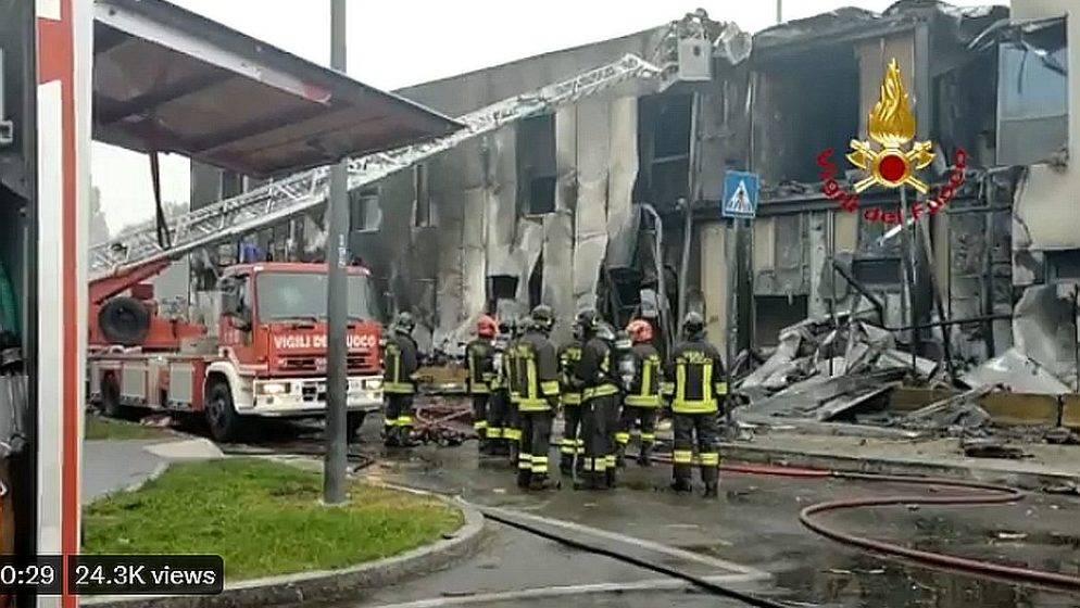 U Italiji se srušio manji avion, pao je na zgradu, nema preživjelih